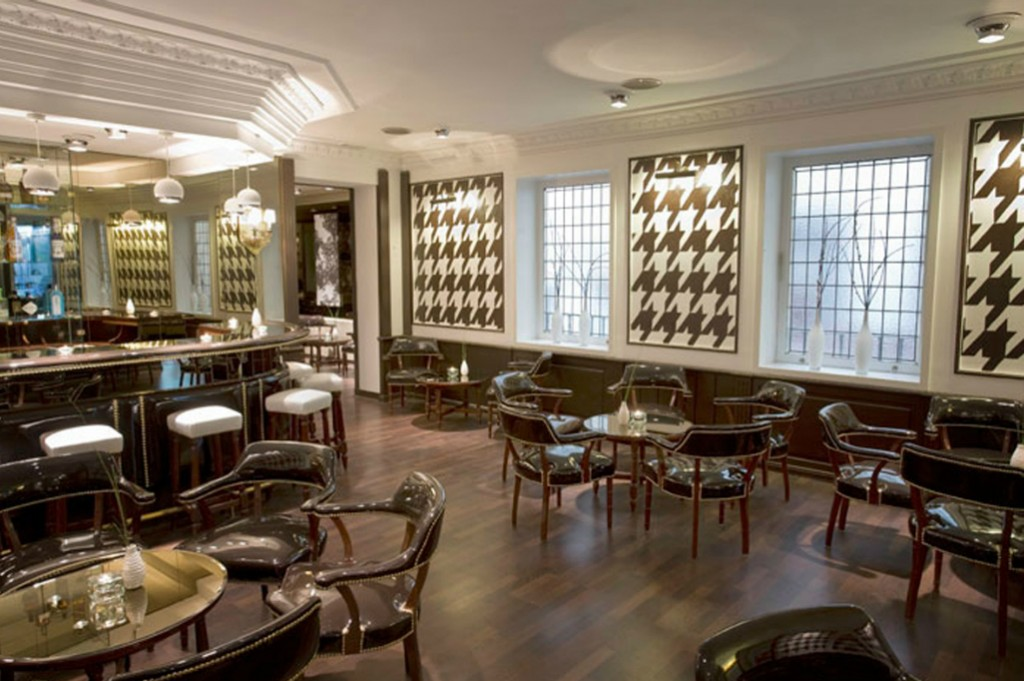 Bar cl sico estilo antiguo pub ingl s reformark for Decoracion estilo ingles clasico